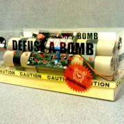 Novelty-Defusable-Bomb-Alarm-Clock-Bomb-like-Alarm-Clock-0-5